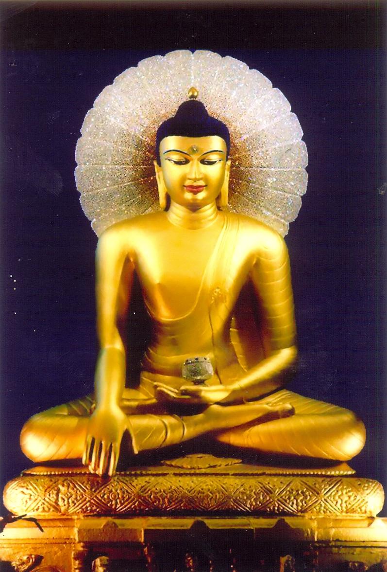"""Tượng Phật trong Đền Bồ Đề với xúc địa ấn - the stutue of Sakyamuni Buddha in Bhumisparsha Mudra [""""touching the ground pose""""]"""