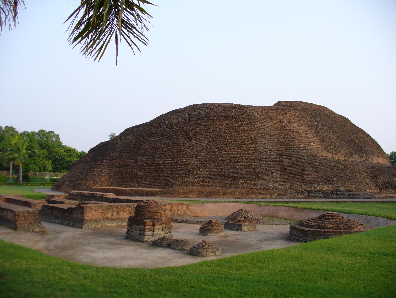 Tháp Trà Tỳ - Ramabhar Stupa or Mukutbandhan-Chaitya