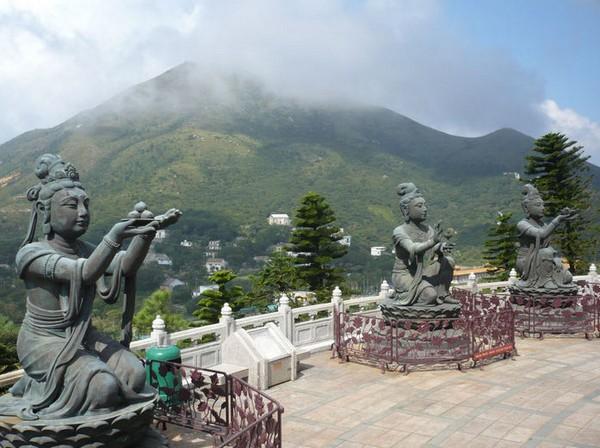 Tượng Thiên Nữ tại chùa Phật địa Đại Nhĩ Sơn - Hồng Kông