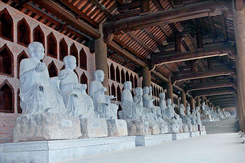 Các vị La Hán chùa Bái Đính