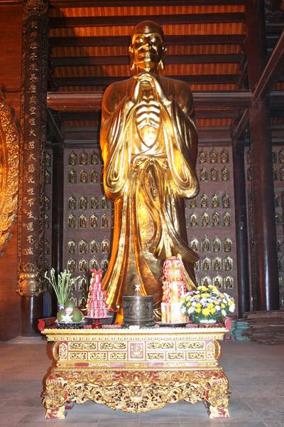 Tượng ngài Ma Ha Ca Diếp tại chùa Bái Đính - Mahākāśyapa statue at Bái Đính pagoda (Ninh Binh province, Viet Nam)