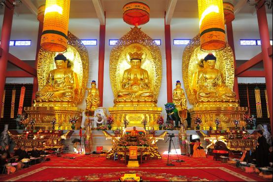 Tôn ảnh Tam Thân Phật